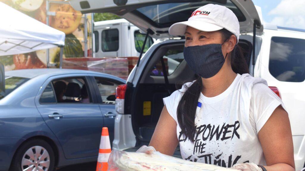 Hawaii Foodbank Volunteer Cari Nishimura-Burnett